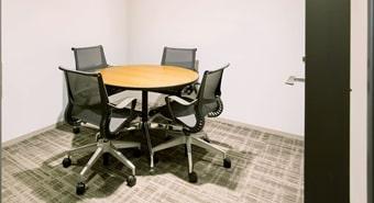 会議室2・3(4名用)