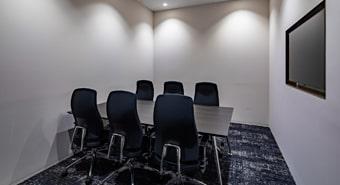 会議室7B(6名用)