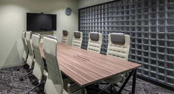 会議室A(8名用)