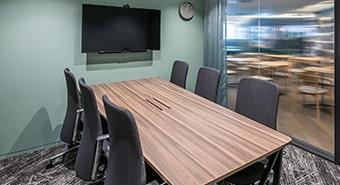 会議室C(6名用)