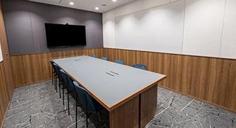 会議室1B(8名用)